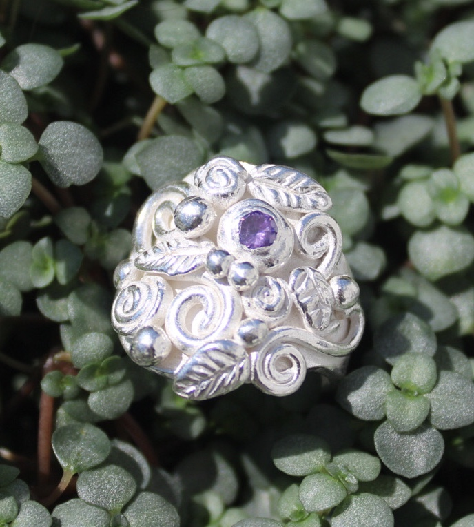 Ring Rosengarten mit Zirkonia violett